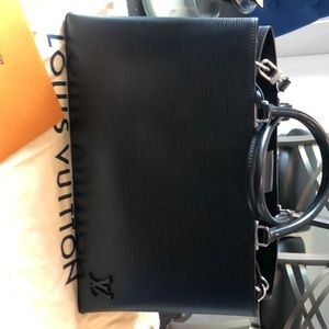 Louis Vuitton Kleber MM EPI NOIR